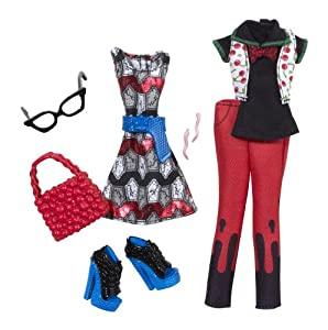 Amazon.com: Monster High Ghoulia Yelps Deluxe Fashion Pack: Toys