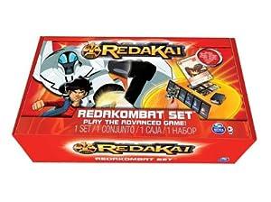 REDAKAI : PACK ACCESSOIRES REDAKOMBAT - 1 Ecran pour cacher ses Cartes + 1 Boîte de Rangement/pioche + 1 Terrain de Bataille + 1 Compteur d'Energie + 1 carte exclusive !