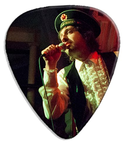 adam-green-dw-big-grande-live-performance-chitarra-plettro