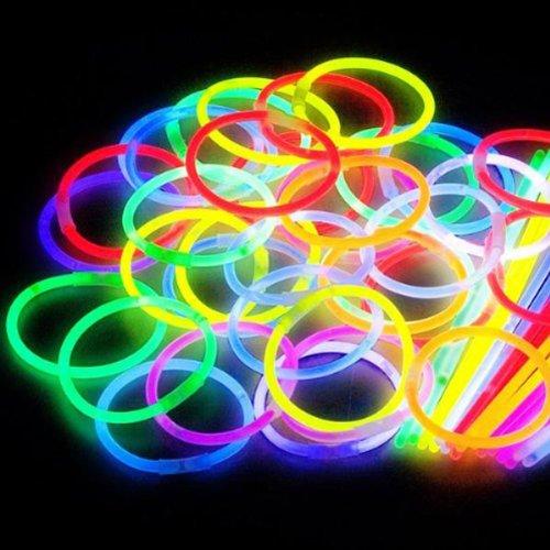 Foxnovo 100pcs Multi-color Glow Sticks Fluorescent Light Sticks Fluorescent Bracelets Necklaces Set for Parties /Festival
