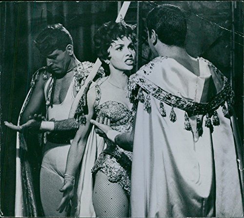 vintage-photo-of-a-scene-from-the-film-trapeze-gina-lollobrigida-argues-with-tony-curtis-while-burt-