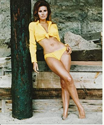 Raquel Welch Sexy yellow bikini bottom 8x10 Photo at