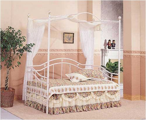 Princess White Metal Canopy Daybed with Porcelain Knobs