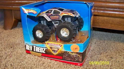 Rev Tredz Maximum Destruction Hotwheels 1:43 Scale Monster Jam Hot Wheels