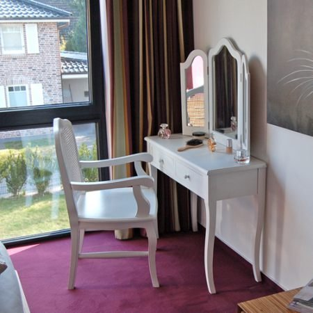 Coiffeuse madrid avec 3 grands miroirs et 2 tiroirs blanc for Chaise pour coiffeuse