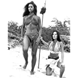 Moviestore Jaime Lyn Bauer als Lizabeth unt Rosalind Chao als Flower in Mysterious Island of Beautiful Women 25x20cm...