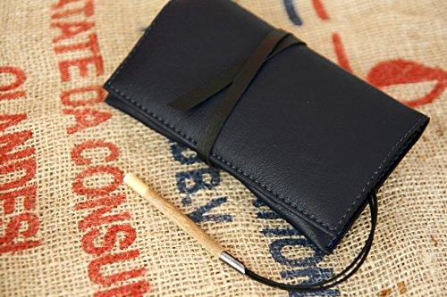 tabac-en-cuero-de-imitacion-azul-oscuro-y-negro-la-artesania-hecha-en-italia-suave-y-resistente-prac