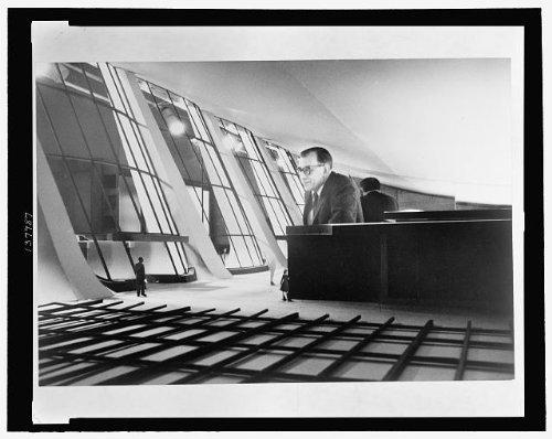 Eero Saarinen,model,Dulles International Airport,1960