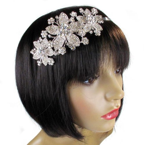 Headbands, hats, and scarves! Oh, my! Unique Vintage carries delightful vintage hair accessories for every occasion. Every retro-loving bombshell knows creating a head-turning outfit is all about picking the perfect accessories.