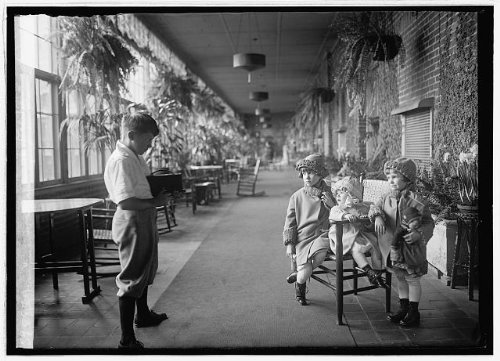 Photo Jimmie, Jr., Jane, Joan, Jean Davis Lee Hart job 1926