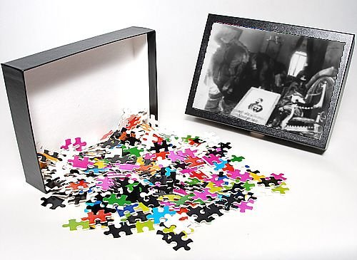 Photo Jigsaw Puzzle of Armenian Refugees occupy house from Mary Evans
