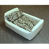 Zippy Pet Dog Bed - Faux Leather Divan - Medium - Colour Cream/Leopardby Zippy UK