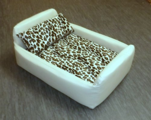 Zippy Pet Dog Bed - Faux Leather Divan - Medium - Colour Cream/Leopard