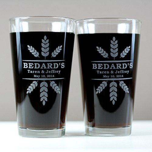personalized-engraved-newlywed-glasses-with-wheat-crowns-art-set-of-2