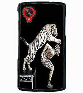 ColourCraft Man and Tiger Design Back Case Cover for LG GOOGLE NEXUS 5