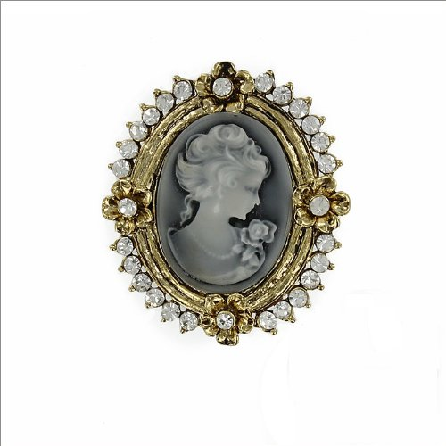 Cameo Design with Crystal Pin #033528