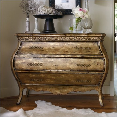 Bachelor Chests Bedroom front-405506