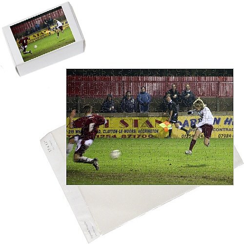 Photo Jigsaw Puzzle of Henri Lansbury scores Arsenal s 4th goal, his 2nd, past Nik Kudiersky from Arsenal FC Prints