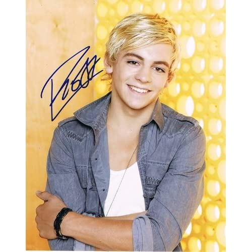 ROSS LYNCH - Austin & Ally AUTOGRAPH Signed 8x10 Photo