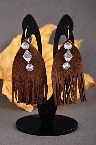 Orecchini in cuoio fatti a mano lunghi accessorio originale bello da donna