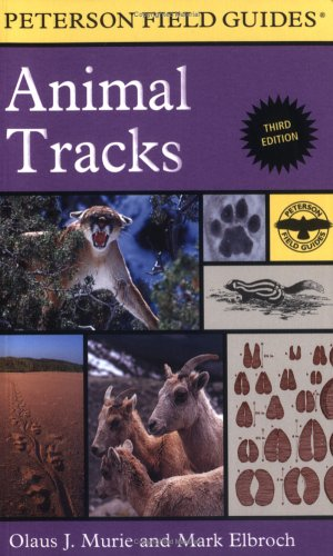 Peterson Field Guide to Animal Tracks: Third Edition (Peterson Field Guide Series)