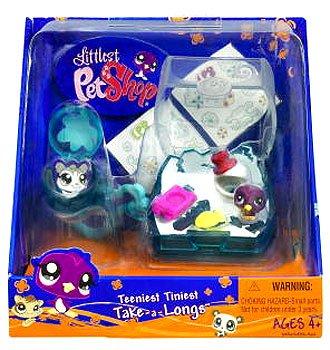 Buy Low Price Hasbro Littlest Pet Shop Teeniest Tiniest Take-A-Longs Mini Figure Penguin (B001N7SXLW)