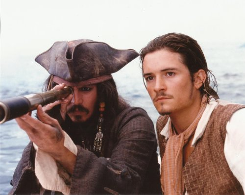 Johnny Depp, Orlando Bloom Side By Side Pirates Of The Caribbean 8X10 Movie Photo Capt Jack Looking Through Telescope