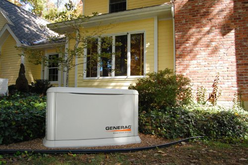 Generac Guardian Series 5871 10,000 Watt Air-Cooled Liquid Propane/Natural Gas Powered Standby...