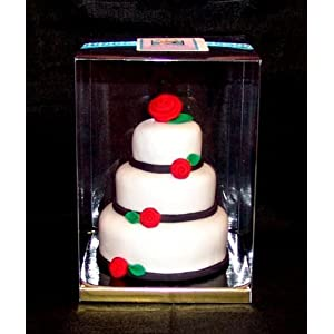 miniature wedding cake made from the multi-tiered cake pan