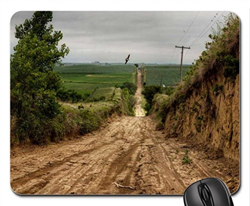 carved-out-road-through-cultivated-fields-mouse-pad-tapis-de-souris-fields-mouse-pad