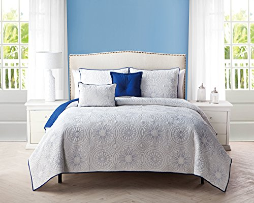 5 pc reversible blue and white quilt set king size coverlet by karalai bedding collection. Black Bedroom Furniture Sets. Home Design Ideas
