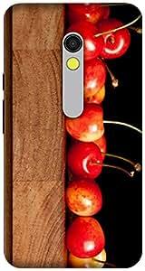 The Racoon Grip printed designer hard back mobile phone case cover for Motorola Moto X Play. (cherries)