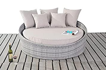 RUSTIC RATTAN GARDEN FURNITURE SMALL DAYBED