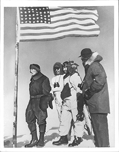 vintage-photo-of-admiral-richard-e-byrd-visit-antarctica