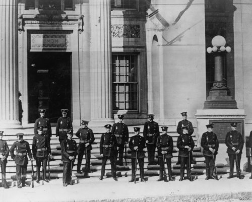 1927 photo Riot squad guards Dedham court house as Sacco and Vanzetti are up for hearing ¿ graphic.