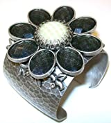 Ollipop Retro Silver Metal Black And White Flower Cuff Bracelet