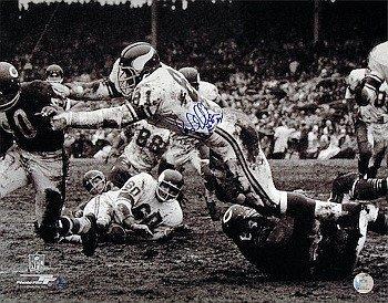 Carl Eller Autographed Minnesota Vikings 16x20 B&W Photo HOF 04