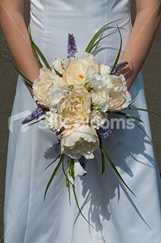lovely-ivory-david-austin-rose-bridal-bouquet-with-white-freesia
