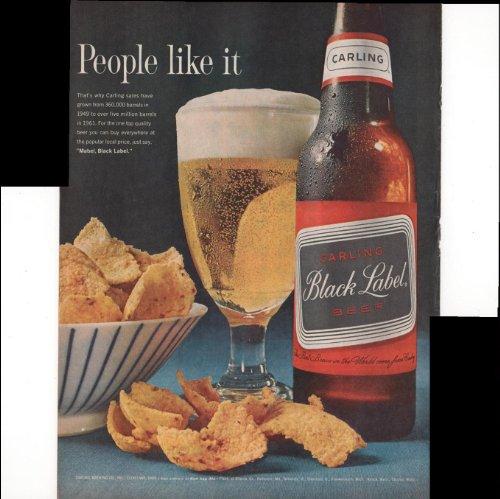 carling-black-label-beer-people-like-it-chips-beer-1962-antique-advertisement