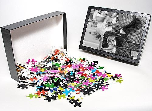 Photo Jigsaw Puzzle Of Man Looks Through Binoculars - Blackpool From Mary Evans