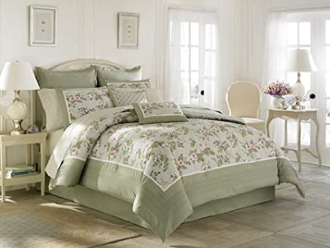 Superb Laura Ashley Avery Bed in a Bag