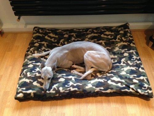 Artikelbild: Kosipet preiswertes, günstiges kleines Hundebett aus Fleece, tarnfarben, Haustierbett, Hundebett