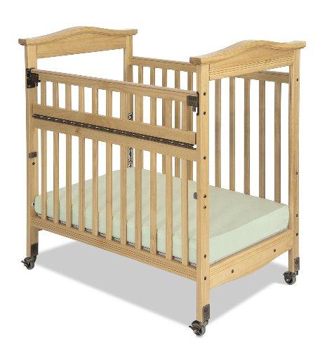 Baby Crib On Wheels front-972601