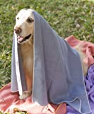 "Mugzy's Mutt Towel: Awesome 100% Microfiber pet towel attracts but won't trap fur! 28"" x 50"""