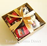 Yankee Candle - 6 Festive Votive Sampler Branded Gift Box (Incl. 1x Season of Peace, 1x Sugared Apple, 1x Christmas Eve, 1x Christmas Cookie, 1x Apple & Pine Needle and 1x Red Apple Wreath) in a Yankee Candle Branded Gold Gift Box with Gold Tissue Paper