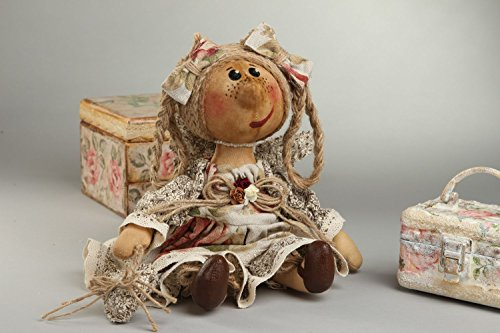 poupee-de-collection-jouet-fait-main-en-tissus-design-original-deco-interieur