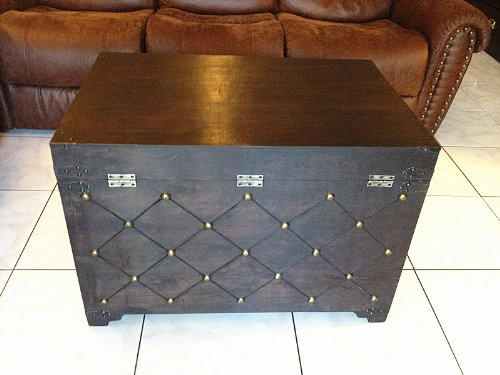 Replica vintage-style wooden coffee table (locker) decorative with nail head (HF 037-A)