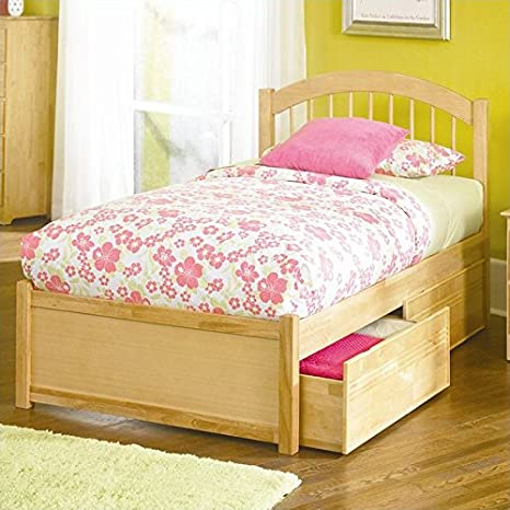 Natural Maple Atlantic Furniture Windsor Platform Bed with Flat Panel Footboard