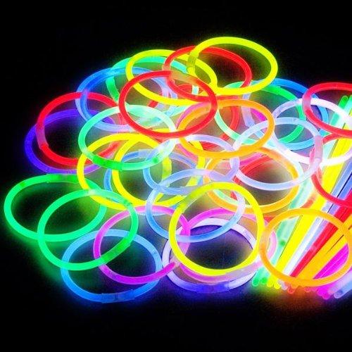 100 Glow Sticks In Mixed Colours & 100 Bracelets Connectors By Multila