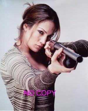 大きな写真、ジェニファー・ロペス、ショットガンを構える写真